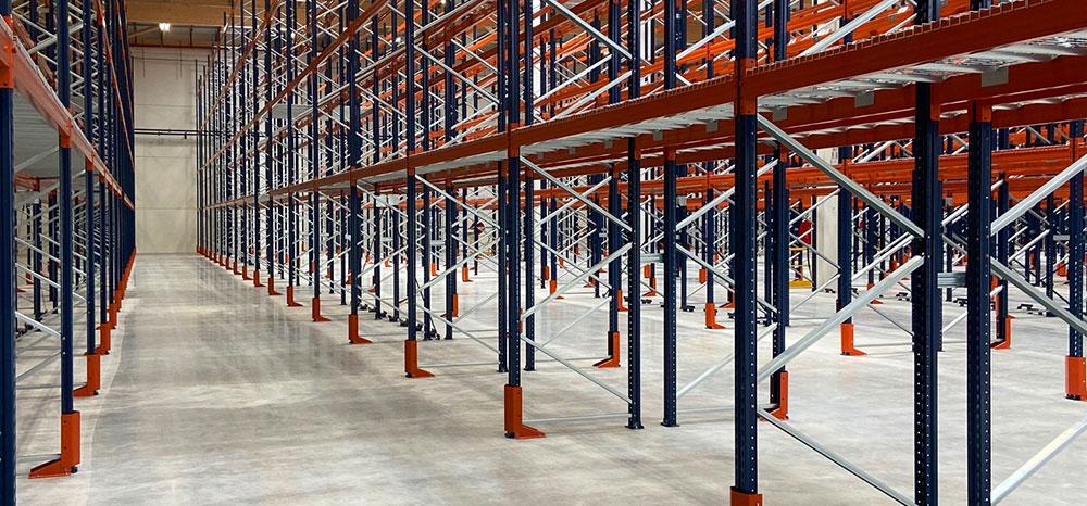 Rayonnages De Stockage à Palettes En Entrepôt